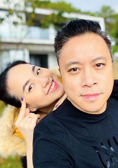 Sorry vì có những lúc vợ làm chồng đau đầu bạc tóc! Nhưng dù sao cũng vẫn yêu đến kiếp sau, chồng nhé, Đinh Ngọc Diệp nhắn nhủ ông xã Victor Vũ.