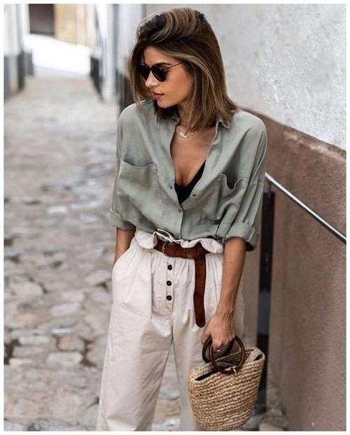 Mùa hè là thời điểm lên ngôi của các chất liệu vải dệt tự nhiên và thân thiện với môi trường. Nổi bật trong đó là linen và đũi.