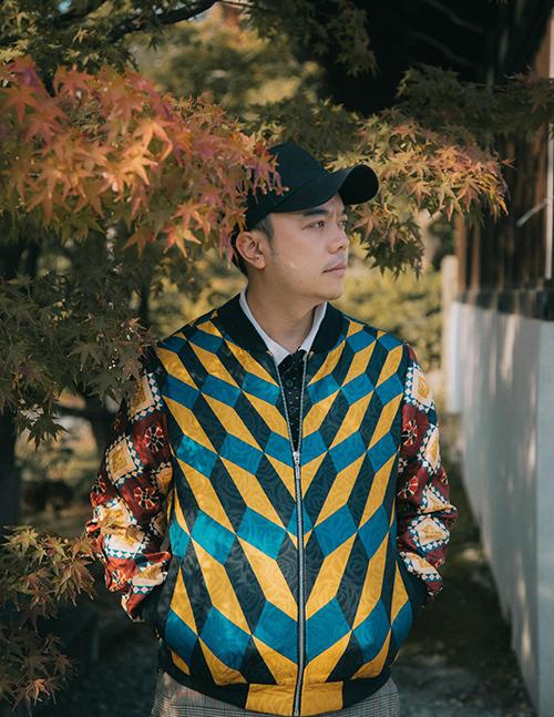 Stylist Tân Đà Lạt làm việc trong showbiz đã hơn 10 năm.