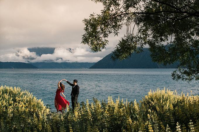 Tấm ảnh cưới được chụp tại New Zealand.