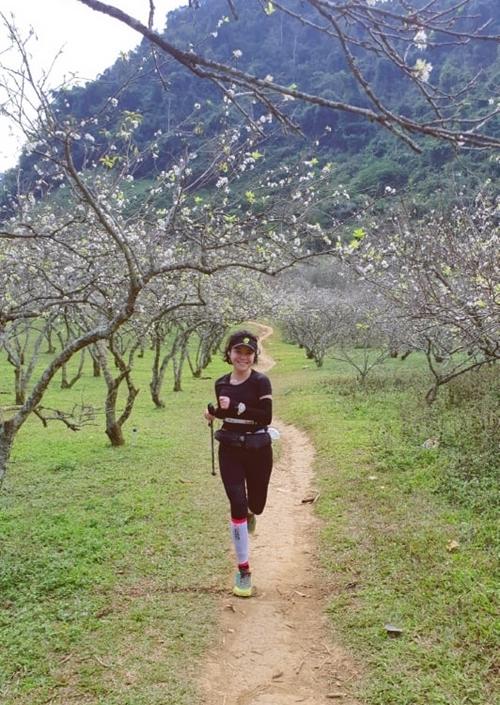 Thái Trinh tập gym, tập yoga, tham gia các giải chạy để cải thiện sức khỏe.