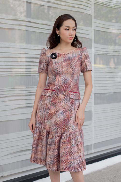 Bộ ảnh được thực hiện với sự hỗ trợ của nhiếp ảnh Huynh Trần, người mẫu Lê Thu An, trang điểm Trọng Huấn.