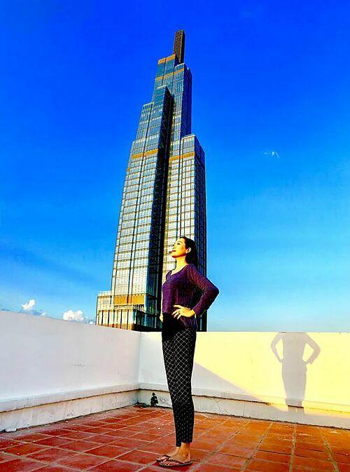 Diễn viên Trịnh Kim Chi cho biết vất vả, chóng mặt lắm mới có được những tấm hình này.
