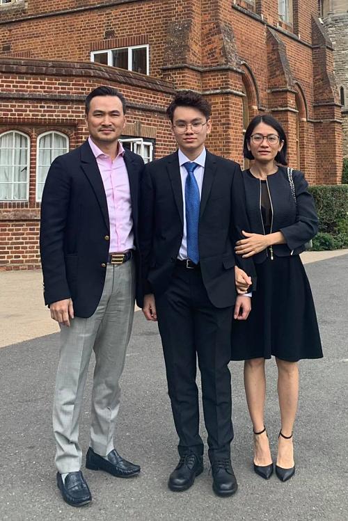 Con trai Chi Bảo xoay xở ở London
