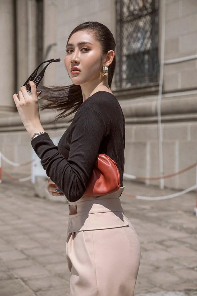 Trúc Ny sinh năm 1995, cao 1m73, với số đo hình thể 89 - 60 - 94. Cô đoạt Á hậu Miss All Nations 2019 tại Nam Kinh (Trung Quốc)