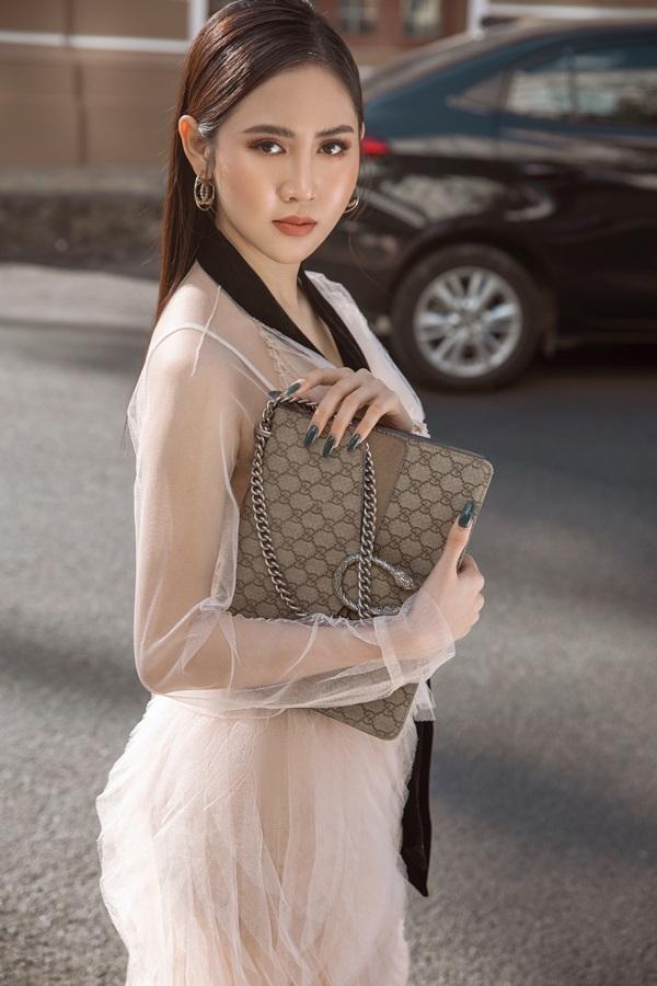 Á hậu Trúc Ny biến hóa với street style - 2