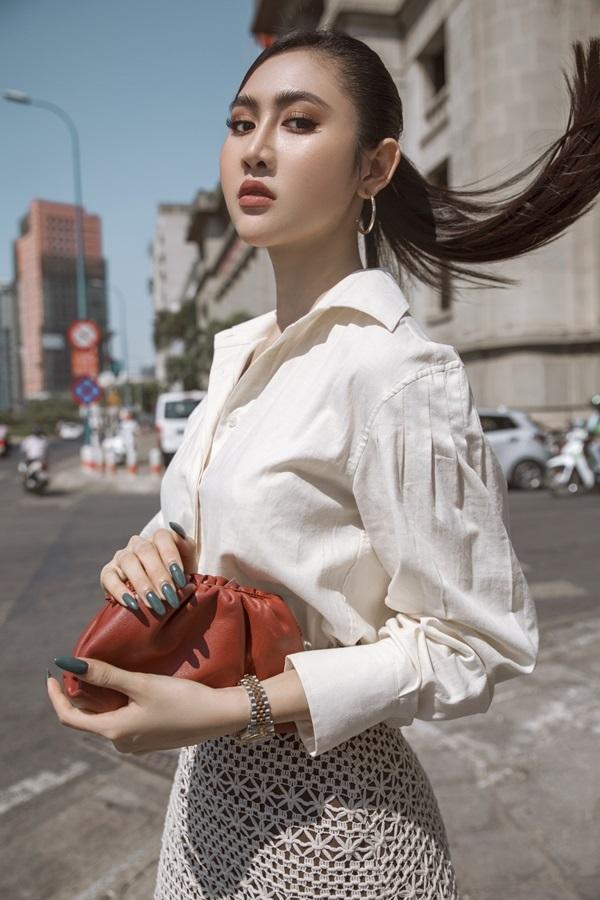 Á hậu Trúc Ny biến hóa với street style - 7