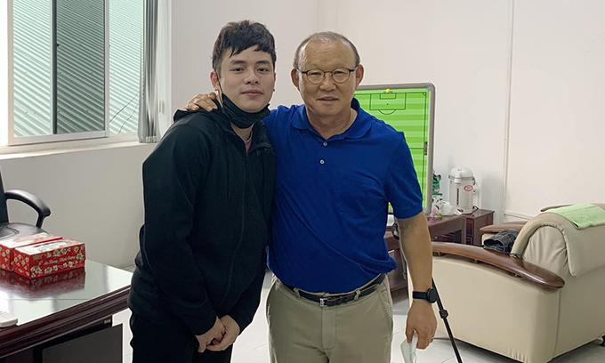 HLV Park và trợ lý Vũ Anh Thắng. Ảnh: VAT.