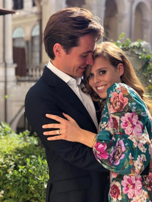 Công chúa Beatrice và hôn phu, nhà phát triển bất động sản người Italy Edo Mapelli Mozzi. Ảnh: PA.