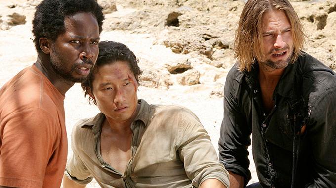 Kim (giữa) trong phim Lost - bộ phim giả tưởng kể về những hành khách sống sót sau vụ rơi máy bay trên đảo hoang.