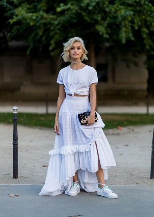 Chân váy bohemian dành cho những cô nàng cá tính, thích mix đồ phá cách và muốn hình ảnh của mình nổi bật trên phố.