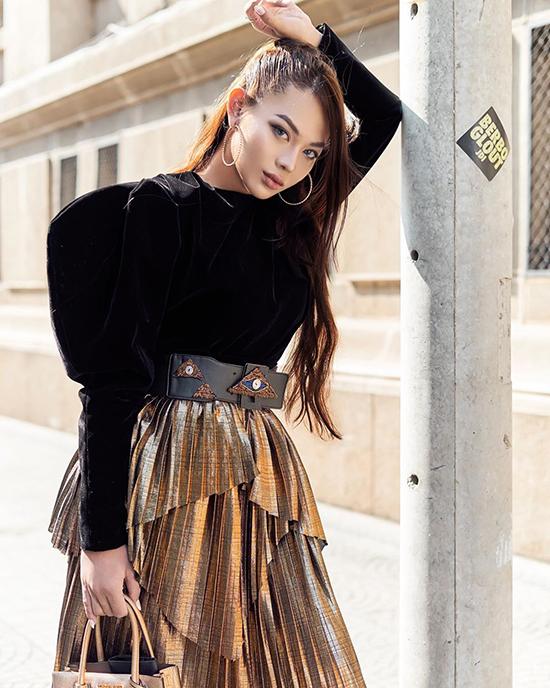 Bên cạnh công việc người mẫu, Kaycee còn là makeup artist.