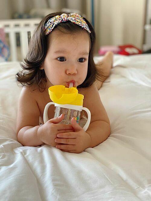 Biểu cảm đáng yêu của bé Myla - con gái siêu mẫu Hà Anh.