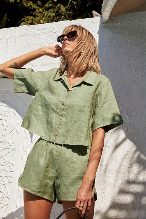 Pijama màu hè được cắt may trên các loại vải thân thiện môi trường và dáng ngắn sexy.