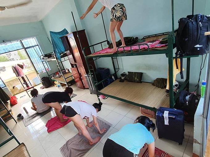 Khung cảnh vui nhộn tại phòng cách ly của chị Kim Nguyên.