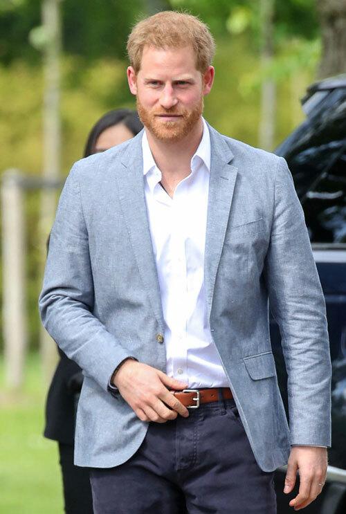 Hoàng tử Harry ở London hồi đầu tháng 3. Ảnh: The Sun.