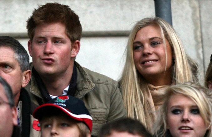 Hoàng tử Harry và Chelsy Davy khi còn yêu nhau năm 2009. Ảnh: PA.