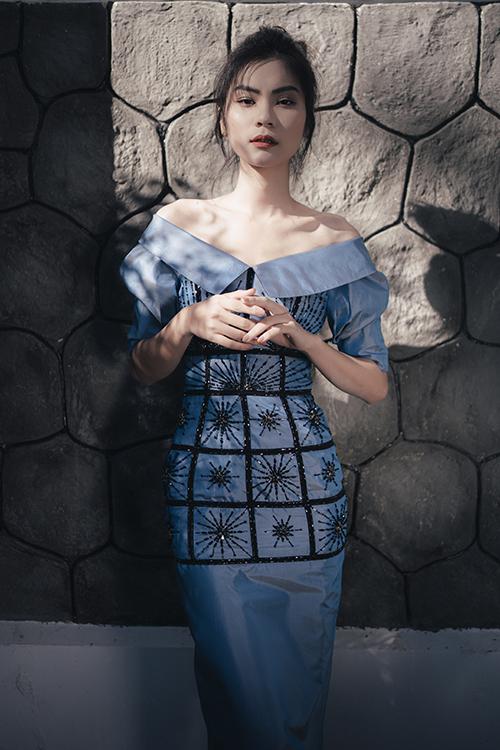 Gắn liền tên tuổi với những trang phục dạ hội lộng lẫy nhưng ở bộ sưu tập Xuân hè 2020, Hà Duy lại thể hiện một khía cạnh khác với mảng thiết kế ứng dụng.
