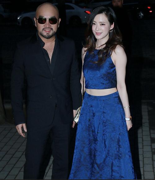 Diễn viên, ca sĩ Lưu Chân và chồng.