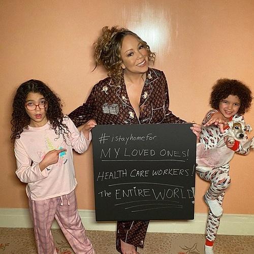 Ca sĩ Mariah Carey chụp ảnh bên hai con và tiết lộ: Tôi ở nhà vì những người mình yêu thương, vì nhân viên y tế và vì cả thế giới.