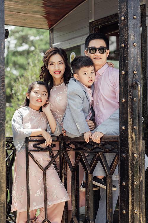 Gia đình NTK Quyên Nguyễn hiện tại.