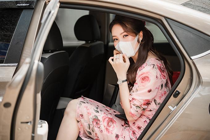 Kết thúc sự kiện, cô nhanh chóng đeo khẩu trang và lên xe trở về với công việc ở đài truyền hình. Vì ảnh hưởng của dịch Covid-19, nhiều show giải trí của Thuỵ Vân bị huỷ bỏ nên cô hiện chỉ chú tâm vào công việc MC, biên tập viên tại VTV.Hết giờ làm, cô lại trở về nhà lo cơm nước cho chồng con.