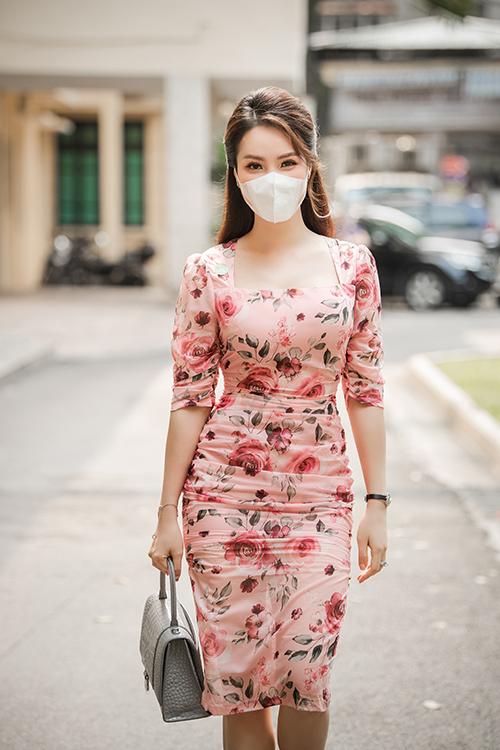 Thuỵ Vân là đại sứ của chương trình phòng chống bệnh lao đã 5 năm nay nên không muốn bỏ lỡ cuộc họp quan trọng của bệnh viện phổi ở khắp cả nước.