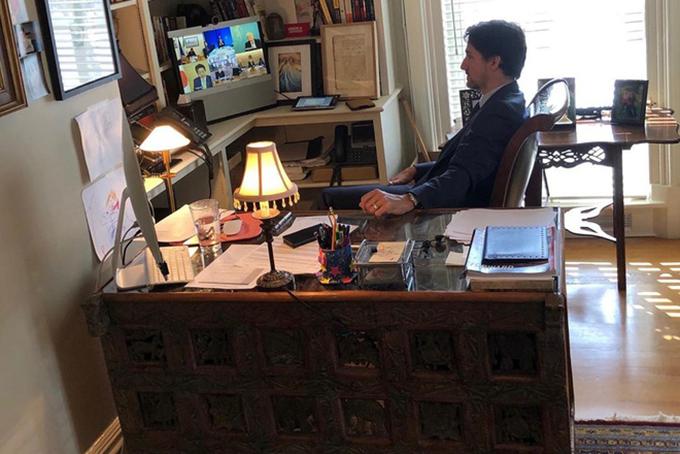 Bức ảnh thủ tướng Canada hợp trực tuyến với lãnh đạo nhóm G7 được con gái Ella-Grace chụp hôm 23/3. Ảnh: Instagram.
