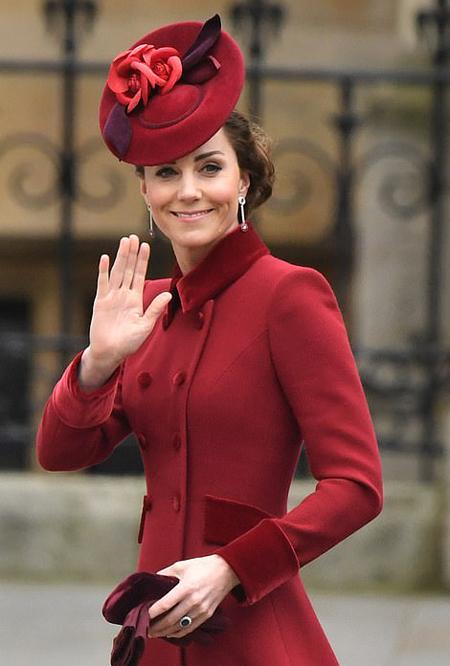 Kate vẫy tay chào người hâm mộ khi đến sự kiện. Ảnh: PA.