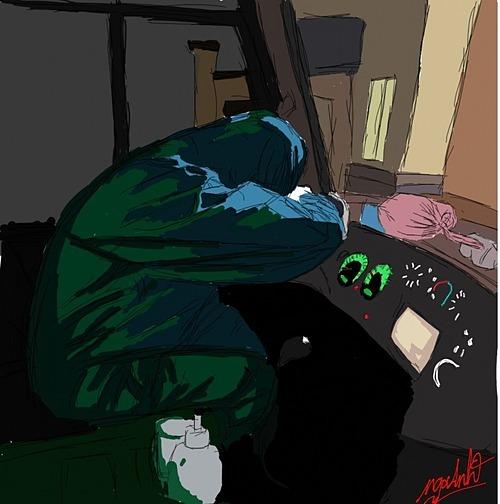 Giấc ngủ tạm trên vô lăng xe.