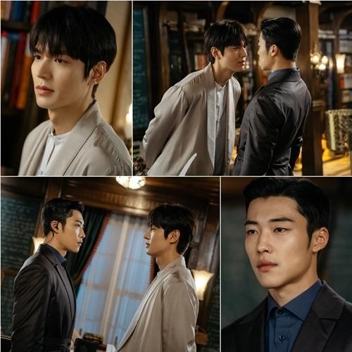 Trong phim, Lee Min Ho có nhiều cảnh diễn chung với Woo Do Hwan, người vào vai vệ sĩ kiêm bạn thân của Lee Gon. Theo Soompi, tình cảm của hai nhân vật thân thiết như anh em. Nhà sản xuất khen hai diễn viên vào vai tự nhiên, tạo không khí ấm áp cho cảnh quay.