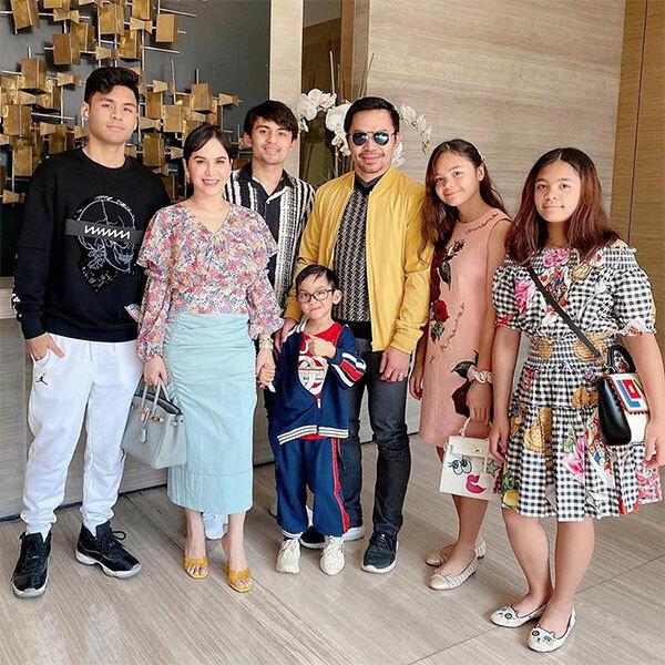 Vợ chồng Manny Pacquiao bên 5 con. Ảnh: Instagram.