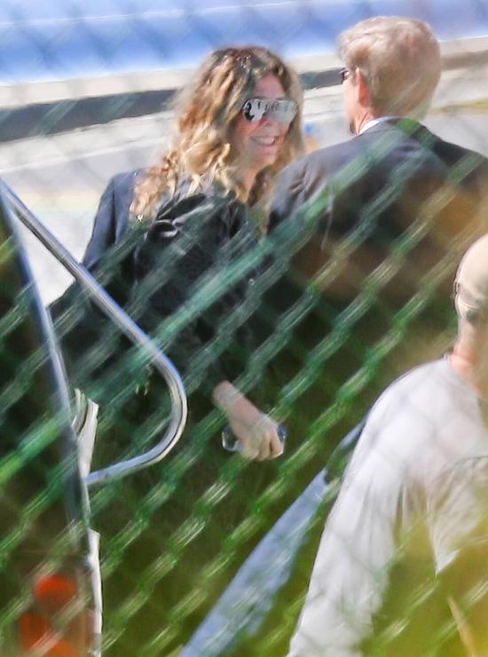 Vợ Tom Hanks hạnh phúc khi quay về Los Angeles. Cùng Tom Hanks, bà đã tới Australia từ đầu tháng 3 để quảng bá album mới.