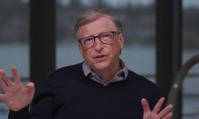 Tỷ phú Bill Gates trả lời phỏng vấn đài CNN hôm 26/3. Ảnh: CNN.