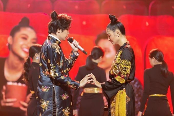 Trịnh Thăng Bình diễn cùng á hậu Kiều Loan.