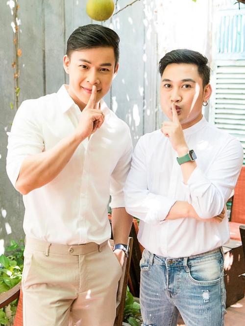 Don Nguyễn (phải) và Thanh Tú yêu nhau 8 năm. Đến đầu 2020, họ mới công khai chuyện tình cảm với công chúng.