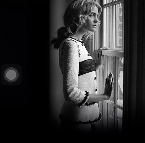 Thương hiệu Chanel còn thông báo tài trợ 1,2 triệu euro cho hệ thống bệnh viện Pháp để góp phần chống dịch.