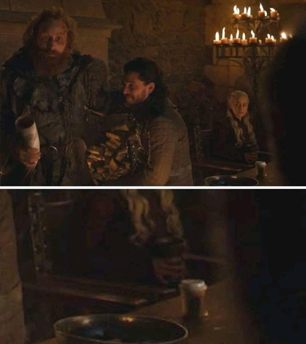 Ly cafe bị bỏ quên trên chiếc bàn đạo cụ của Game of Thrones.