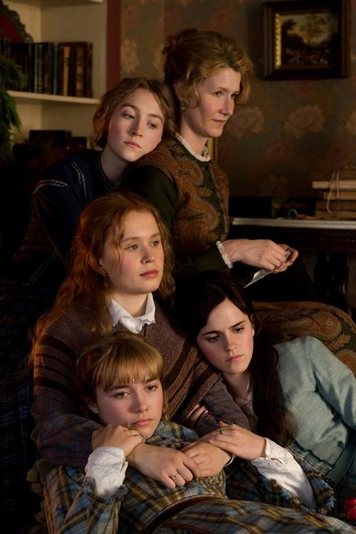 Năm mẹ con trong phim Little Women.