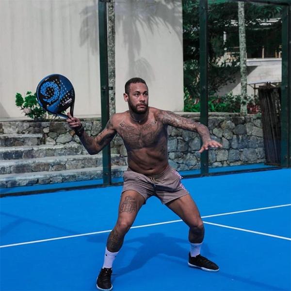 Neymar rủ bạn bè về nhà cách ly cho vui - 14