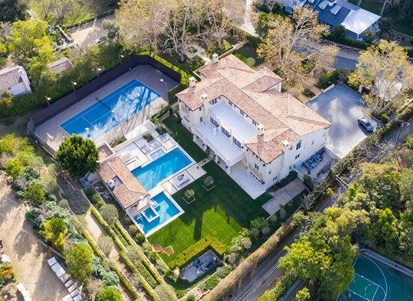 Biệt thự 7 triệu USD ở Malibu mà vợ chồng Harry và Meghan đang để mắt. Ảnh: Backgrid