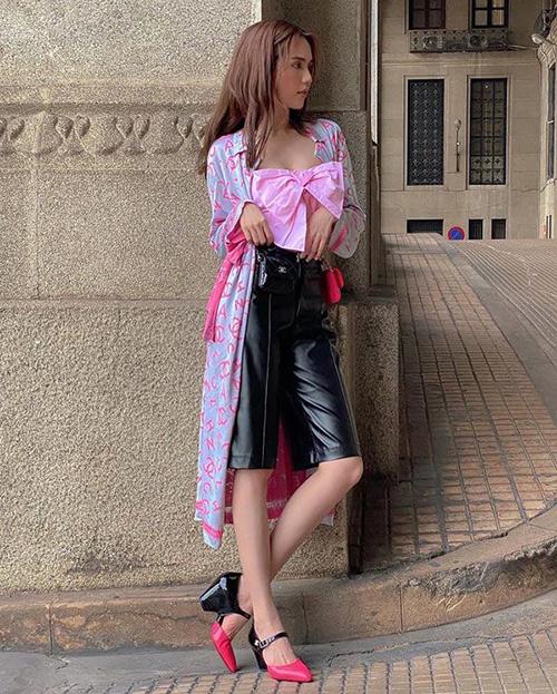 Phượng Chanel đụng giày sao Việt - 2