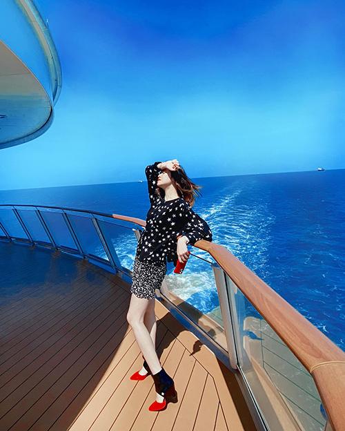 Phượng Chanel đụng giày sao Việt - 6