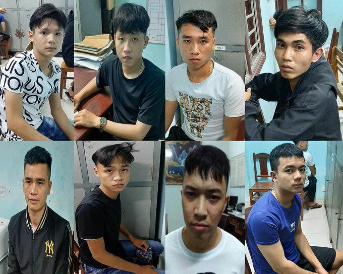 8 trong số 9 thanh thiếu niên liên quan đang bị công an tạm giữ. Ảnh: Văn Hồ.