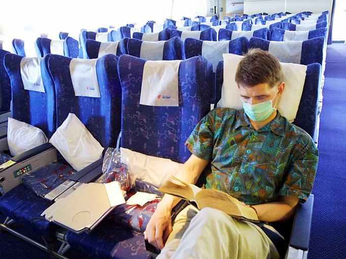 Các hãng hàng không hiện nay đều cố gắng sắp xếp hành khách ngồi xa nhau nhất có thể để tránh lây nhiễm