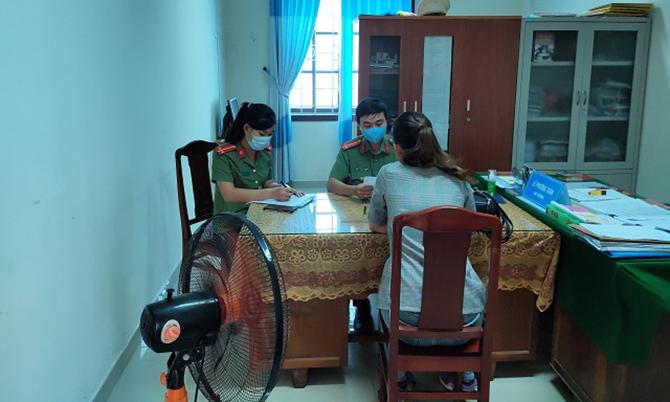 Công an Quảng Nam triệu tập một phụ nữ đến làm việc về do đăng tin không đúng sự thật. Ảnh:C.A.