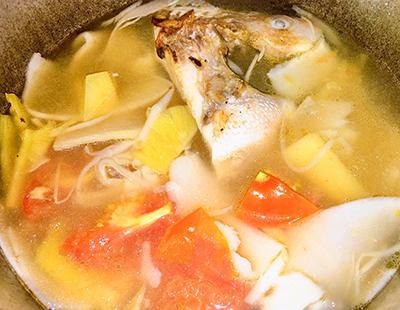 Canh cá điêu hồng nấu măng chua - 3
