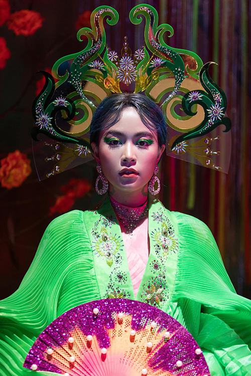 Đầmđa sắccủa Hoàng Thuỳ Linh trong MV mới - 8
