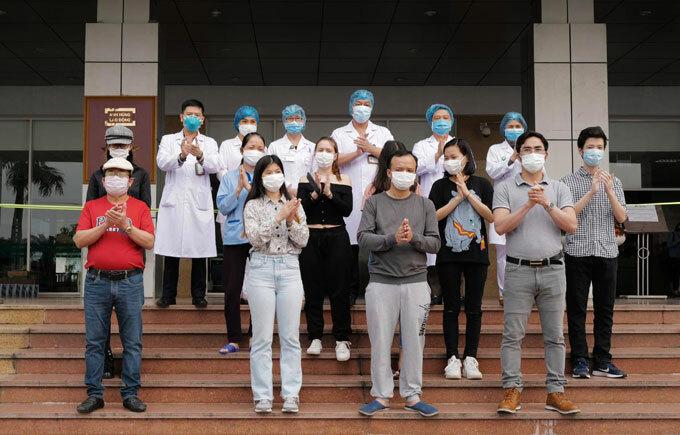 Bệnh viện Bệnh nhiệt đới Trung ương ngày 7/4 có 11 ca xuất viện. Ảnh: Ngọc Thành.