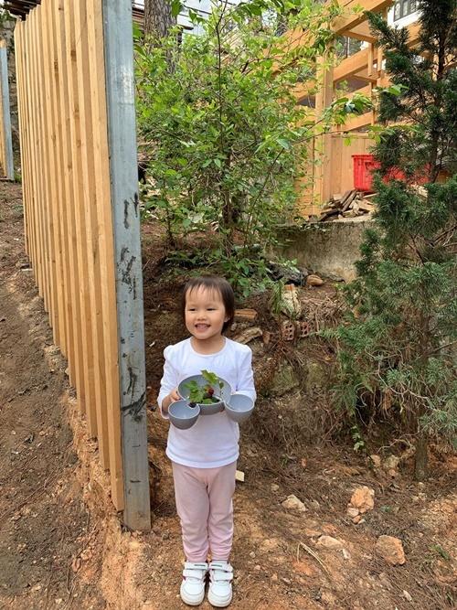 Phan Như Thảo nghỉ dưỡng trong biệt thự ở ĐàLạt - 4